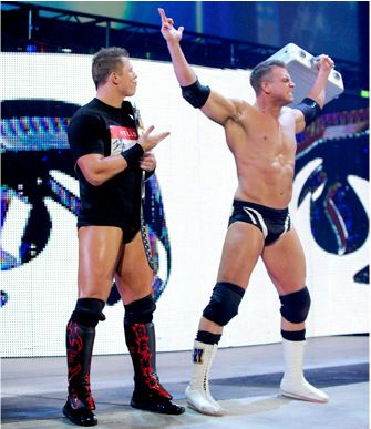 WEW Monday Night RAW - Lundi 1 Octobre 2012 RileyandMiz