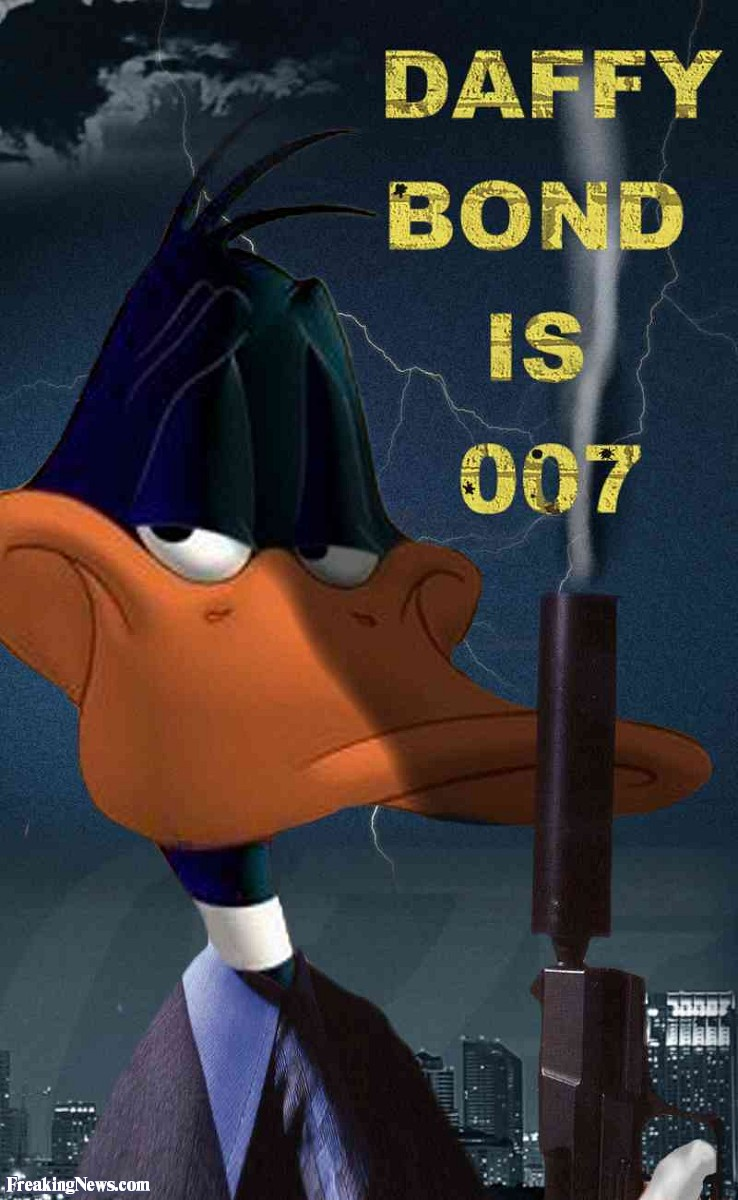 J.R.R. Tolkien's The Hobbit: A Fanedit by Dustin Lee - Page 4 Daffy-Duck-as-James-Bond--42076