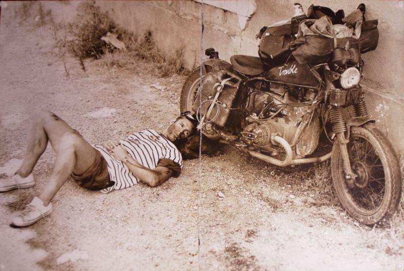 Vieilles photos (pour ceux qui aiment les anciennes photos de bikers ou autre......) Trouble_bmw