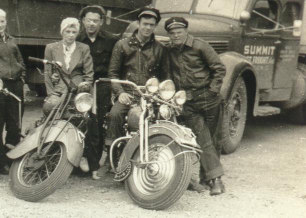 Vieilles photos (pour ceux qui aiment les anciennes photos de bikers ou autre......) Vieille_photo_moto_summit