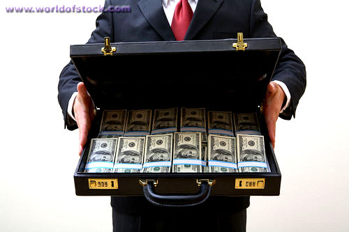 WILLIAN - Page 2 338-1004201846-briefcase-full-of-money2
