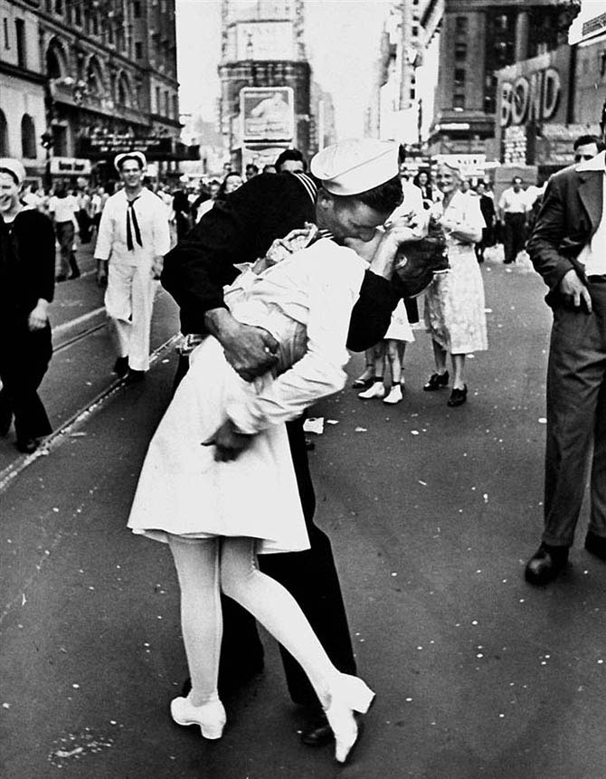 Самые известные поцелуи 25