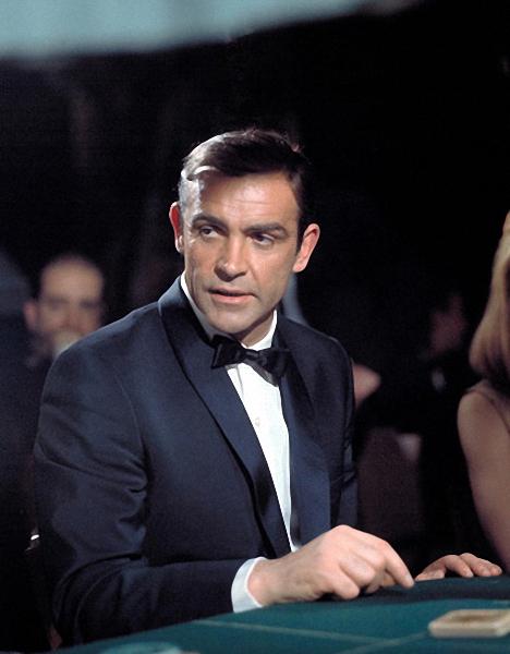 007: Координаты Скайфолл, Рухнувшие небеса/Skyfall 5
