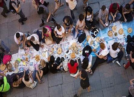 Entuziazmi i Ramazanit në Stamboll Ramazani-ne-stamboll-444x320