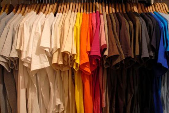الرسم علي التشيرتات والملابس اصنعيه بنفسك  Tshirts
