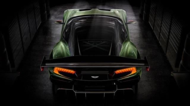SALON DE L'AUTOMOBILE DE GENEVE : L'Aston Martin V12 Vulcan Par Baptiste (Fubiz.net) Aston-Martin-V12-Vulcan-1-640x360