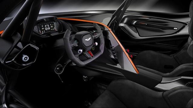 SALON DE L'AUTOMOBILE DE GENEVE : L'Aston Martin V12 Vulcan Par Baptiste (Fubiz.net) Aston-Martin-V12-Vulcan-10-640x360
