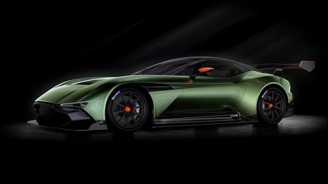 SALON DE L'AUTOMOBILE DE GENEVE : L'Aston Martin V12 Vulcan Par Baptiste (Fubiz.net) Aston-Martin-V12-Vulcan-3-640x360