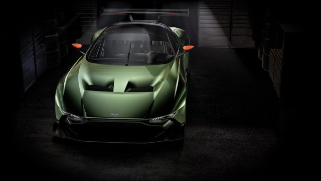 SALON DE L'AUTOMOBILE DE GENEVE : L'Aston Martin V12 Vulcan Par Baptiste (Fubiz.net) Aston-Martin-V12-Vulcan-6-640x360