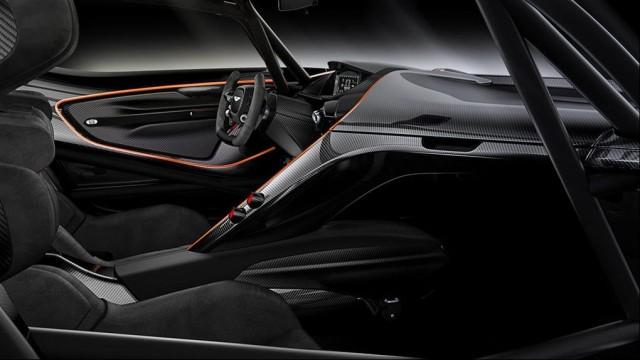 SALON DE L'AUTOMOBILE DE GENEVE : L'Aston Martin V12 Vulcan Par Baptiste (Fubiz.net) Aston-Martin-V12-Vulcan-9-640x360