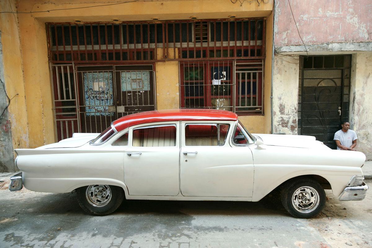 Vintage Cars in Havana ! Written By Kala Thomas-kalak-havannah-oldtimers005