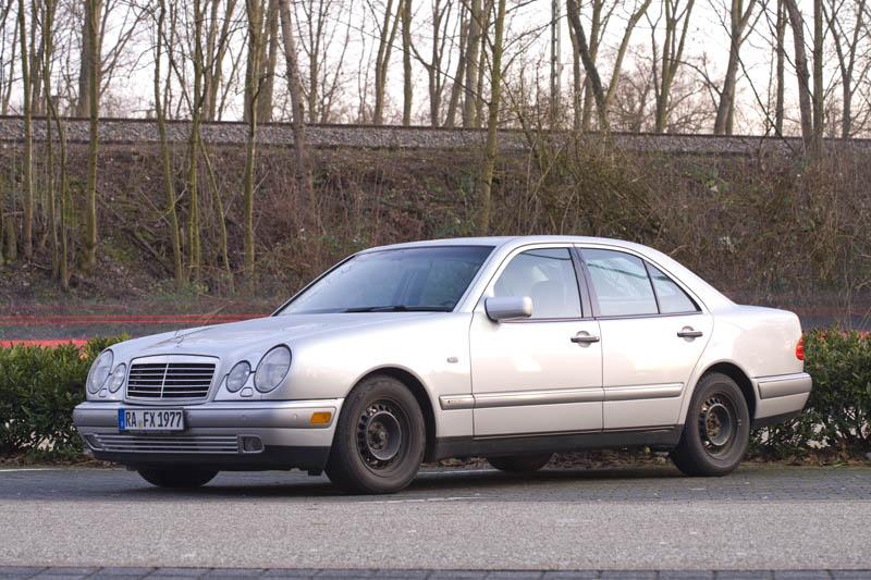 Huhu vom Nicht-Opelaner :) E290td12