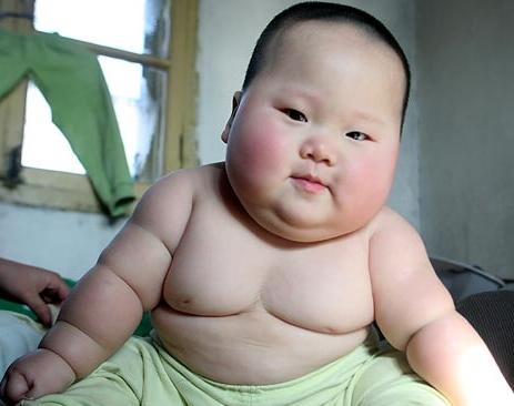 Une Bonne Nutrition: A l'Encontre des Jeunes Obese-baby