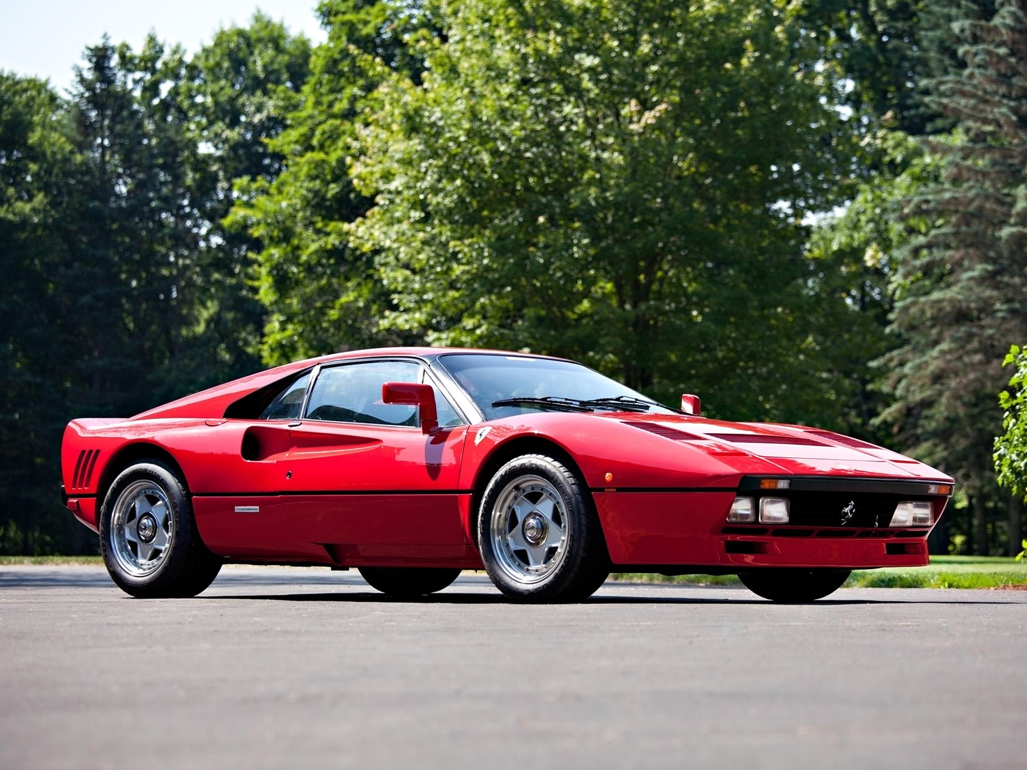 QUE COCHE - Página 2 Ferrari-288-GTO-on-Road