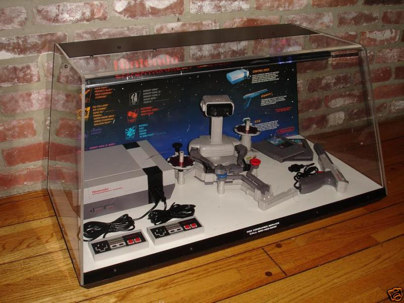 Le Site: Gamesniped! Nintendo-NES-M9-Display-RARE-Deluxe-ROB-1
