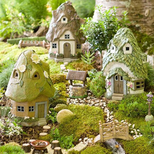 Miniature Fairy Gardening: Little Things, Big Fun Fairy-garden-1