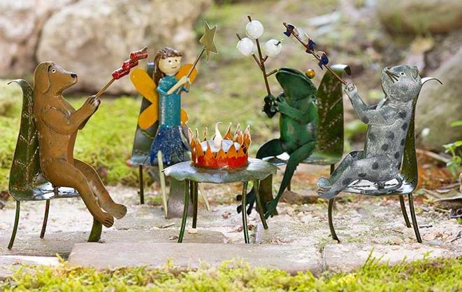 Miniature Fairy Gardening: Little Things, Big Fun Fairy-garden-smores-party