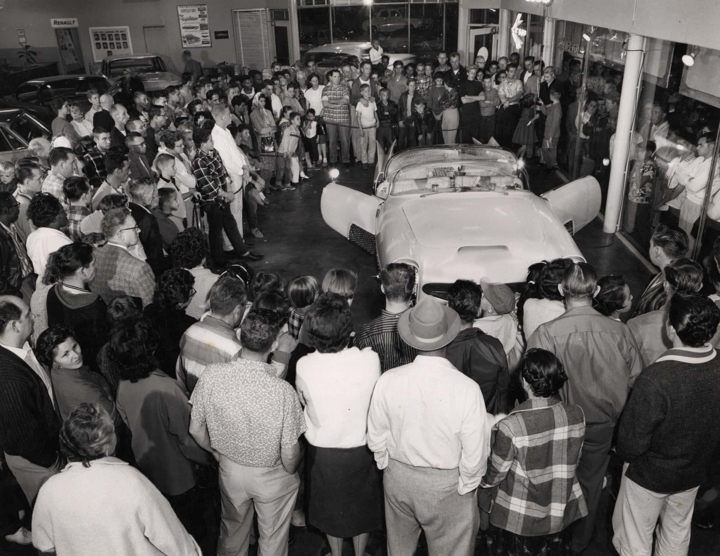 Golden Sahara I & II…première voiture autonome de l'histoire ! (+ vidéos) By gatsbyonline.com George-Barris-Golden-Sahara-25