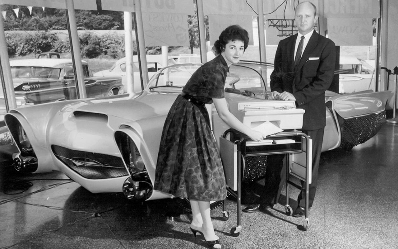 Golden Sahara I & II…première voiture autonome de l'histoire ! (+ vidéos) By gatsbyonline.com George-Barris-GoldenSaharaII-14