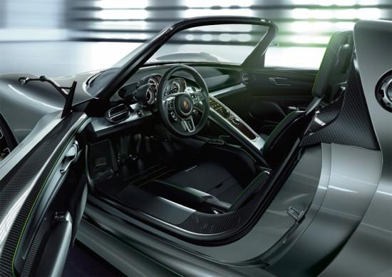 Le nouveaux visage de l'Hyperluxe  Porsche-918-spyder-inside-550x388