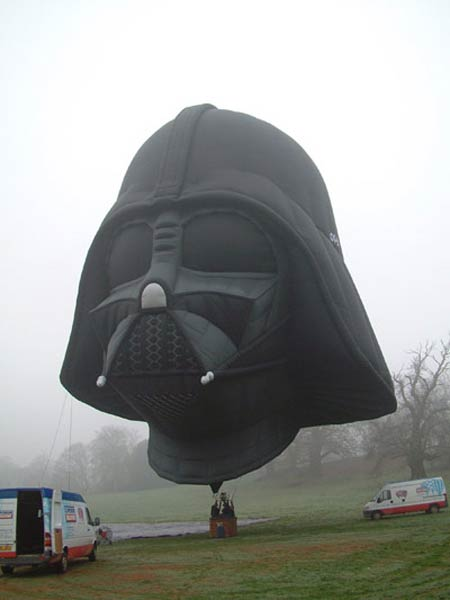 Archangelic Queens of Heaven and the United States of the Solar System - Page 5 Darth-vader-balloon