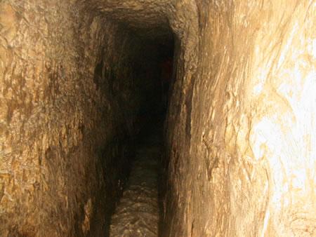 Tuneli The_tunnel