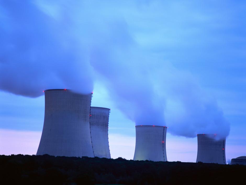 Trucs et astuces pour refroidir un bac Tours-de-refroidissement-d-une-centrale-nucleaire_940x705