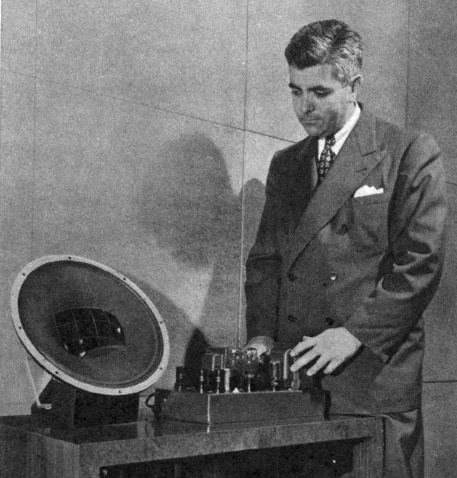 Quem disse que os cabos não fazem diferença' - Página 5 Avery_fisher_with_9-tube_amp_and_coaxial_speaker__from_fortune__oct._1946
