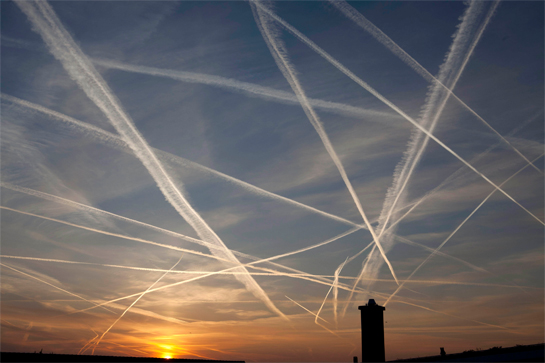Chemtrails : Un météorologue américain confirme les épandages mondiaux Image032