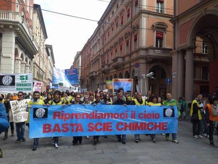 The Awakening Grows, Italians Stage Impressive Anti-Geoengineering Protest Bologna-protest-4-450x338