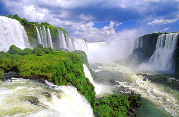 لبرازيل شلالات و مناضر طبيعيه Argentina%20-%20Iguazu%20Falls%20Hz.