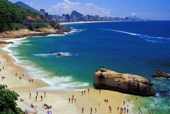 لبرازيل شلالات و مناضر طبيعيه Brazil%20-%20south%20of%20Rio%20beach