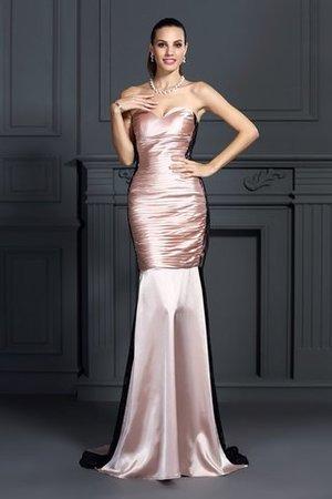 una vetrina di talenti emergenti dall'industria del matrimonio nel Regno Unito 9ce2-kic2p-abito-da-ballo-senza-maniche-spazzola-treno-cuore-cerniera-sirena