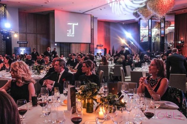2014-10-30. [ FOTOS & NOTA ] Edith y Lorenzo en la gala previa al lanzamiento T Magazine México 801b9856e4353f871e04b5a4905ae44fd07a7def