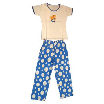 ملابس للنوم للبنت الرايقة Girl_s_Knitted_Pajama