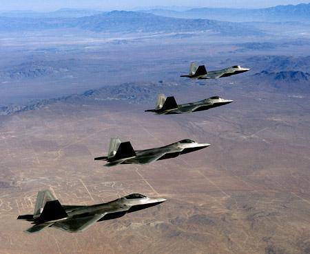 مفهوم الضربات الوقائية بالمنظور العسكرى F-22_18