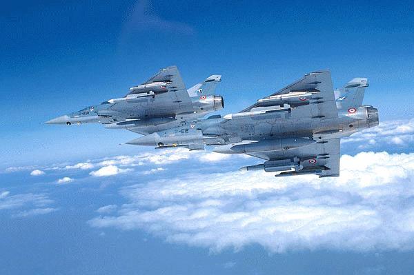 مقارنة بين القوات العربية والاسرائيلية من حيث النوع والعدد Mirage2000c-pic