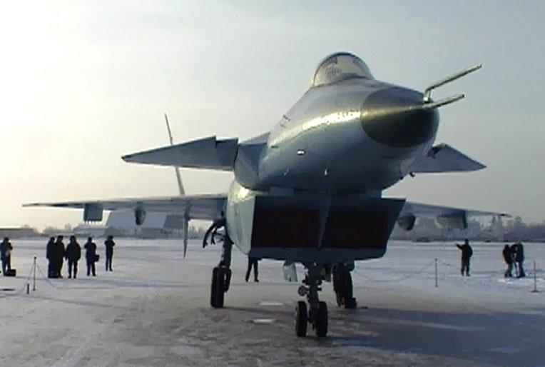 الميغ-35 أحدث المقاتلات الروسية - صفحة 2 I42-004