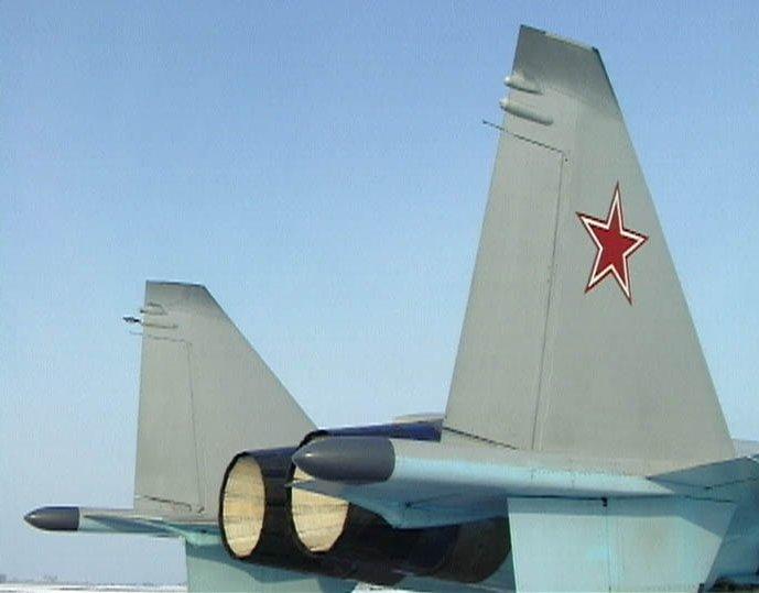 الميغ-35 أحدث المقاتلات الروسية - صفحة 2 I42-011