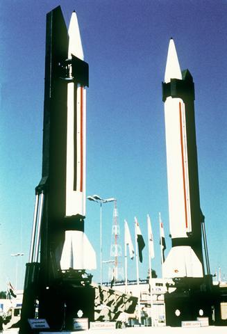 نبذة عن الصاروخ العراقي (الحسين) Iraq_scud_ddst8911778