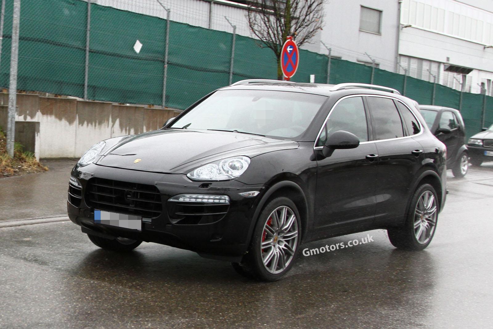 2014 - [Porsche] Cayenne Restylé [958] 2014-Porsche-Cayenne-11