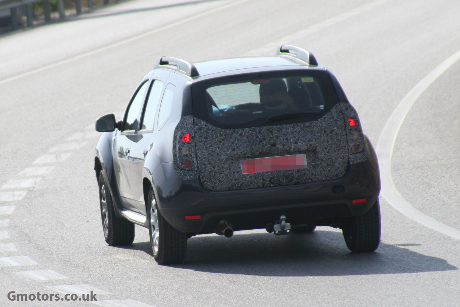2012 - [Dacia] Duster restylé - Page 2 2014-Dacia-Duster-facelift-6