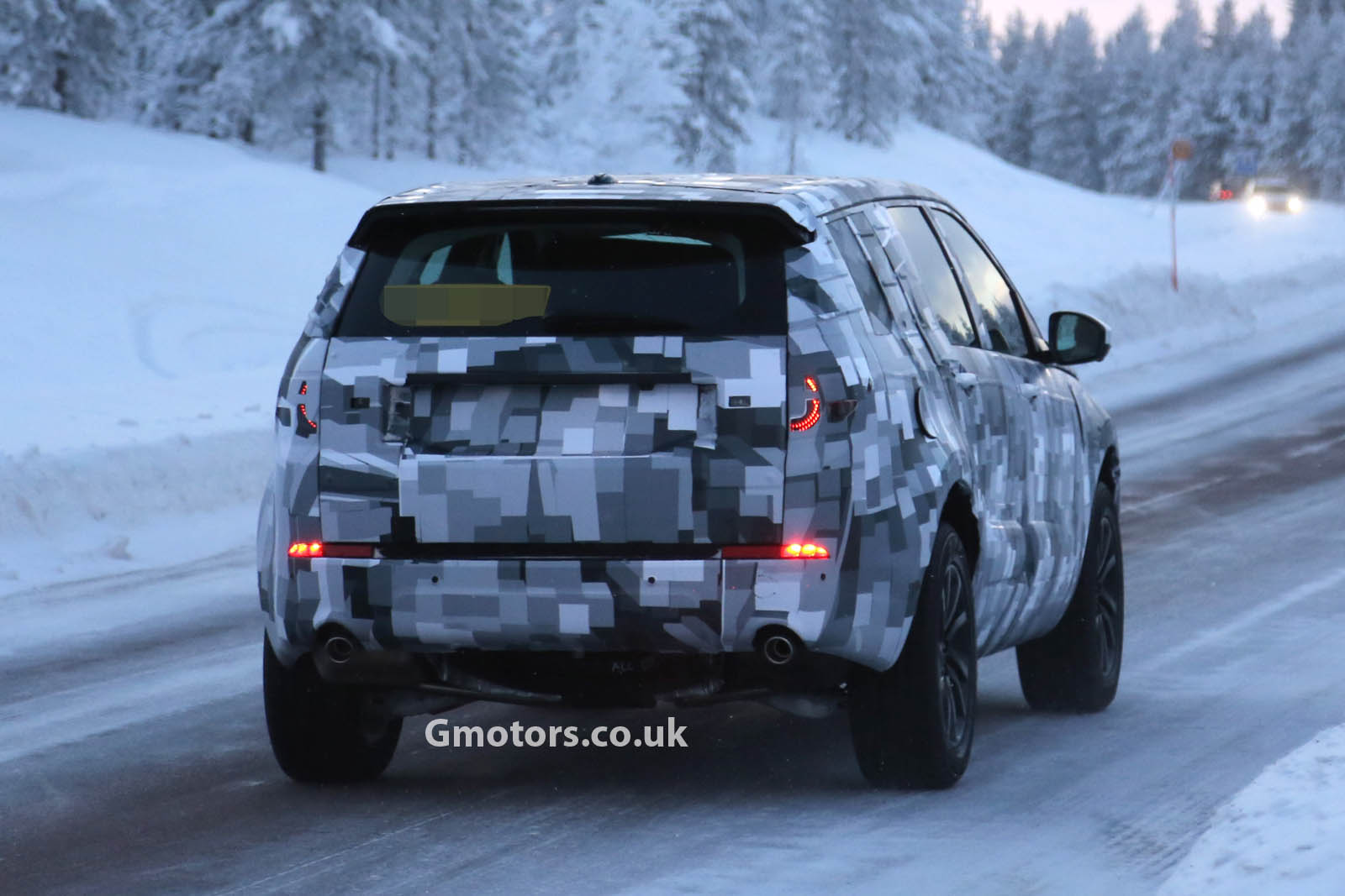 2014 - [Land Rover] Discovery Sport [L550] - Page 2 2015-Land-Rover-Freelander-2