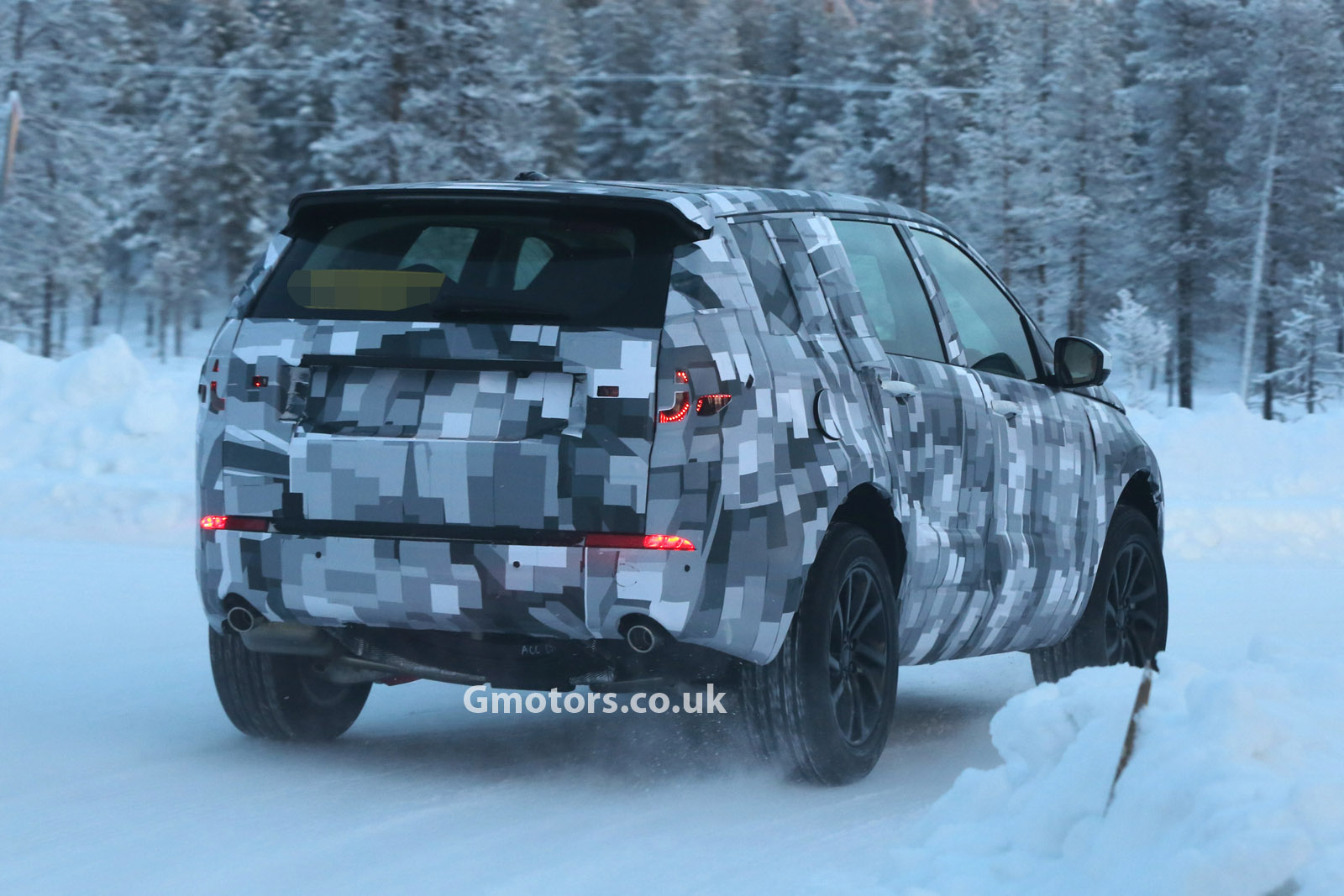 2014 - [Land Rover] Discovery Sport [L550] - Page 2 2015-Land-Rover-Freelander-3