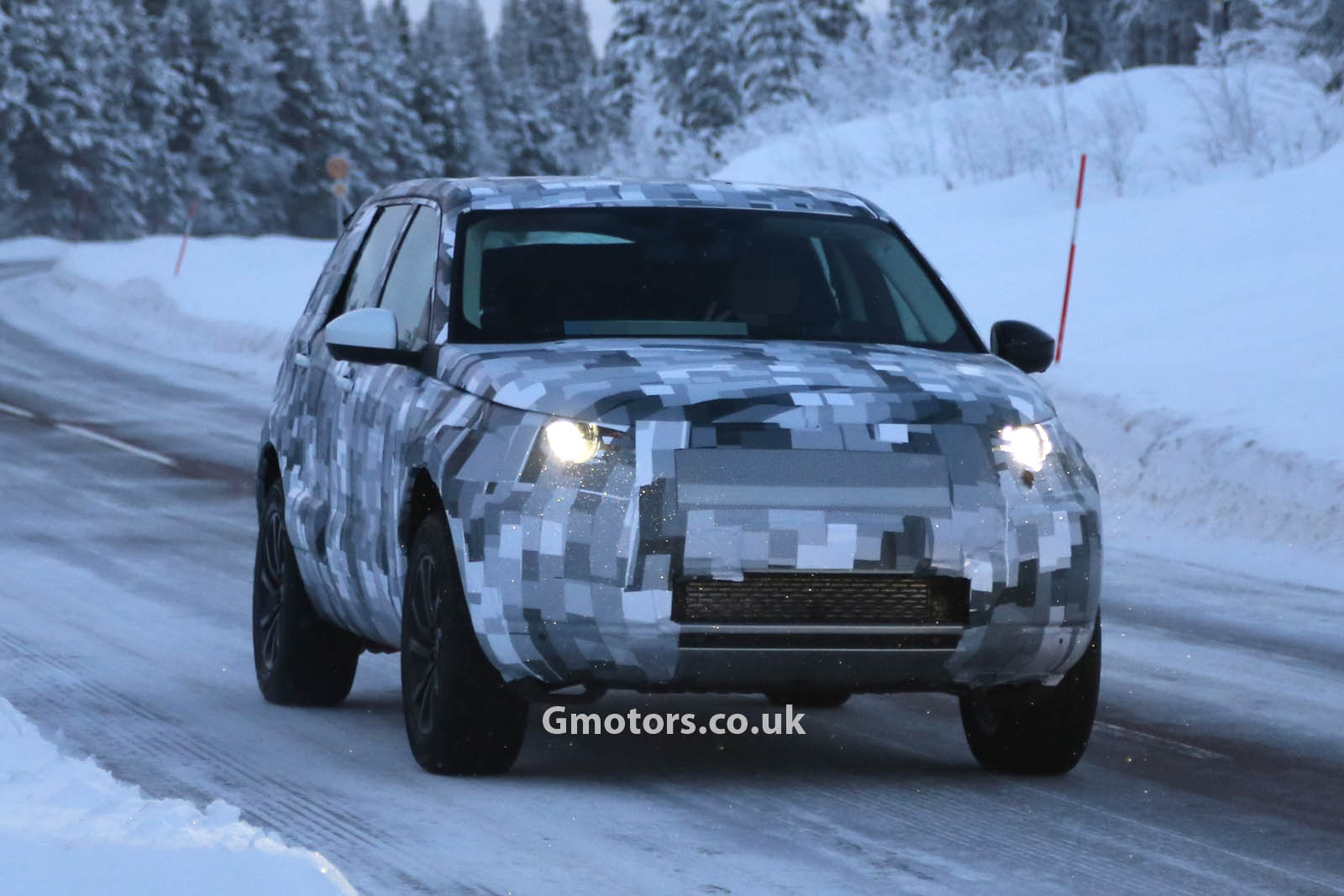 2014 - [Land Rover] Discovery Sport [L550] - Page 2 2015-Land-Rover-Freelander-7