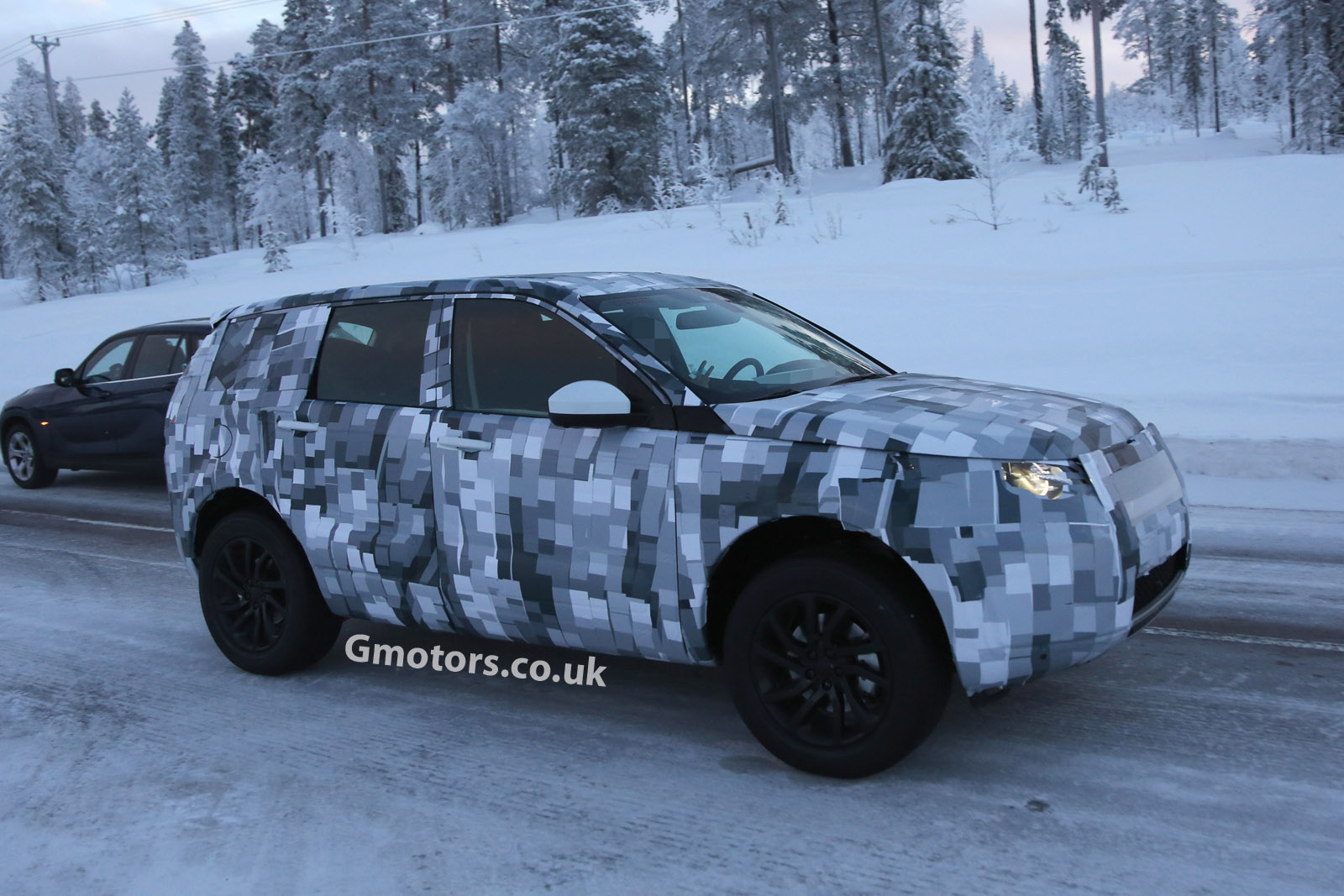 2014 - [Land Rover] Discovery Sport [L550] - Page 2 2015-Land-Rover-Freelander-9