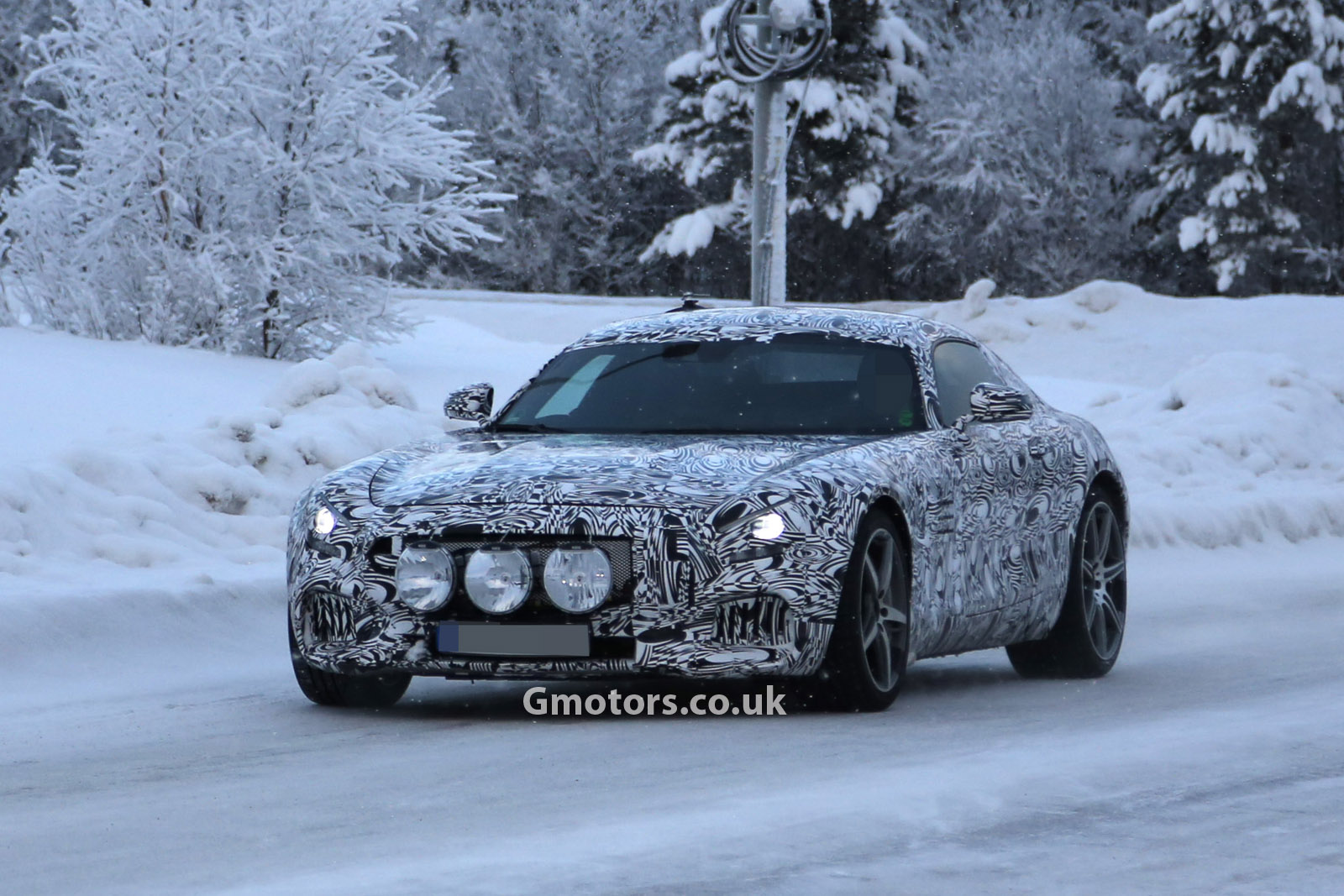 2014 - [Mercedes-AMG] GT [C190] - Page 4 2015-Mercedes-AMG-GT-cold-weather-testing-5
