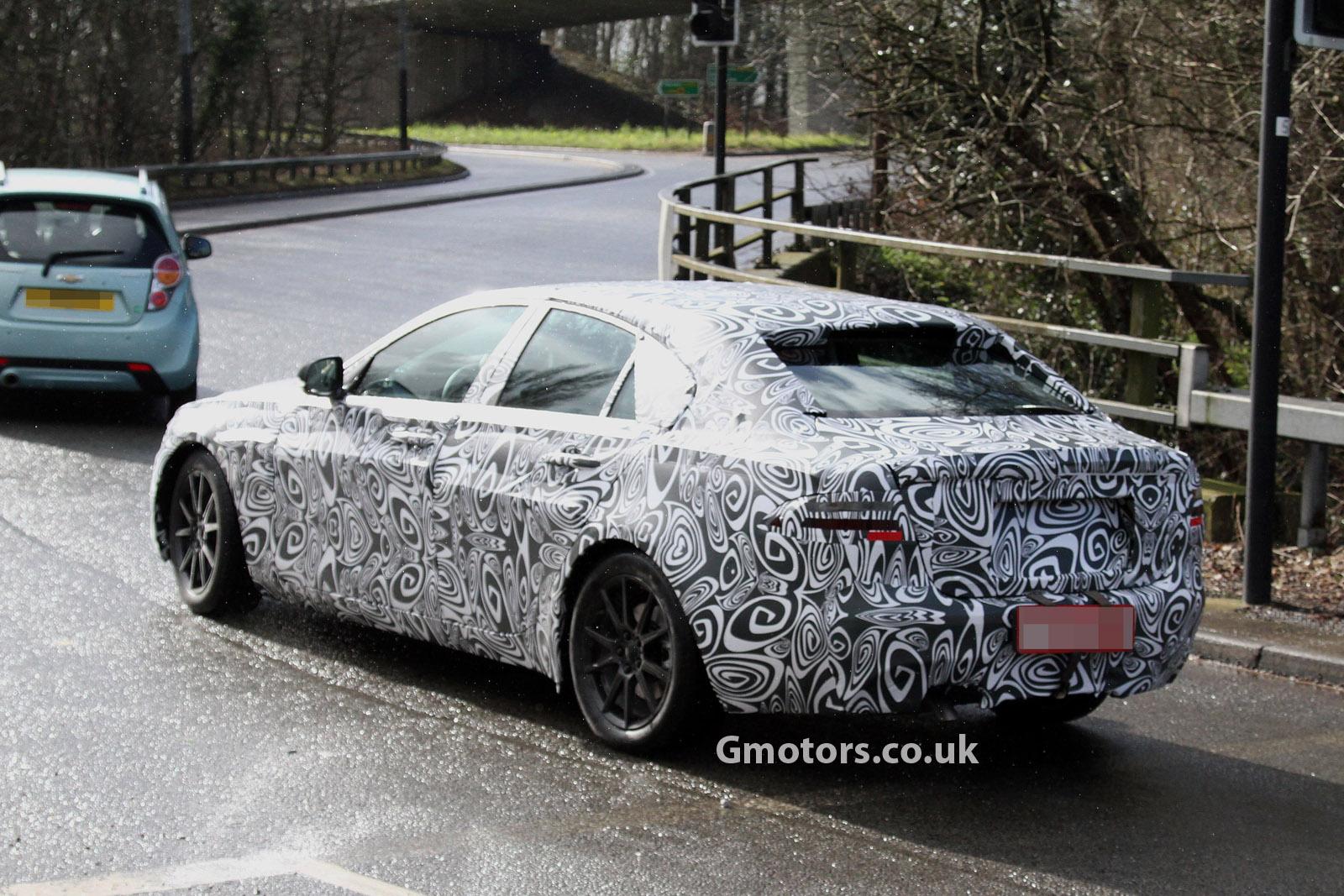 2014 - [Jaguar] XE [X760] - Page 4 2015-Jaguar-XS-rear