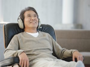 Playlist (120) - Page 2 Man-on-chair-listening-to-music-happily-e1476128663667-300x224