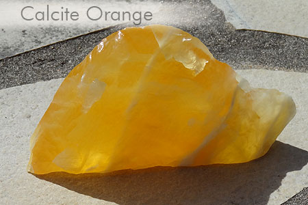 Quelques jolies pierres pas courantes... de ma collection Calcite_or